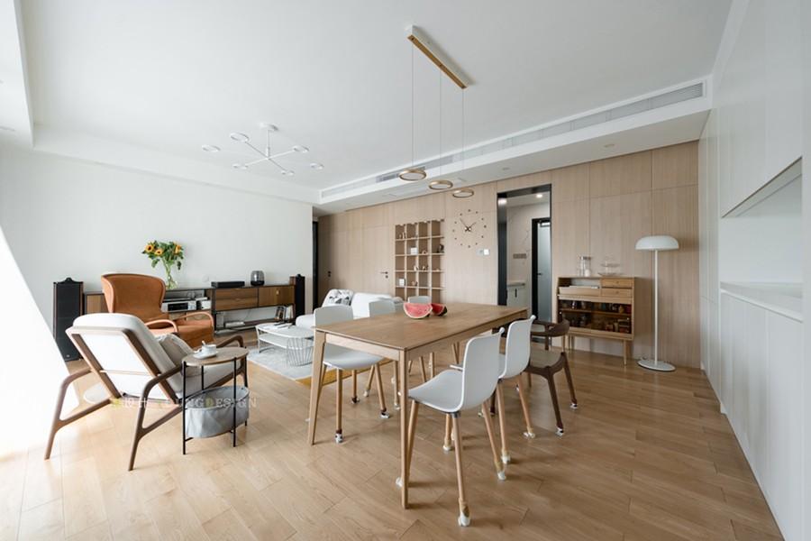 Young新作 | 不要电视机,席地而坐,这个120m²日式风格的家真有个性!